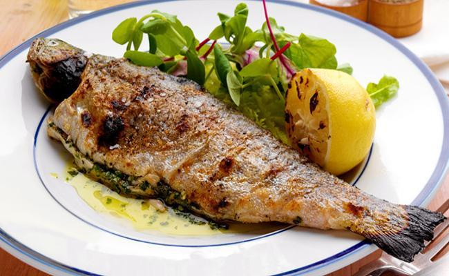 10 best superfoods for your heart health for Healthiest fish to eat for weight loss