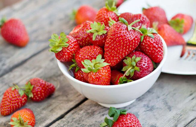 Fiber in 1 Cup Strawberries